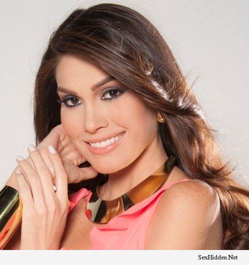 Miss Universal : 21.out.2013 – Lotta Hintsa, Miss Universo Finlândia, chega ao hotel onde será o Miss Universo 2013, em Moscou, na Rússia, e já começa a desempacotar a : Gabriela Isler Miss Universe 2013, Gabriela Isler